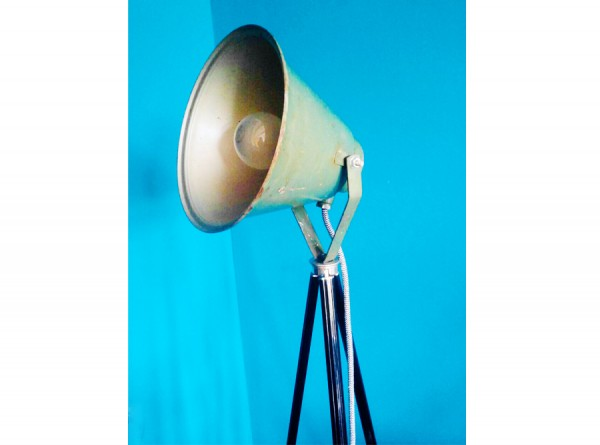 Tripod Lamp Green Metal
