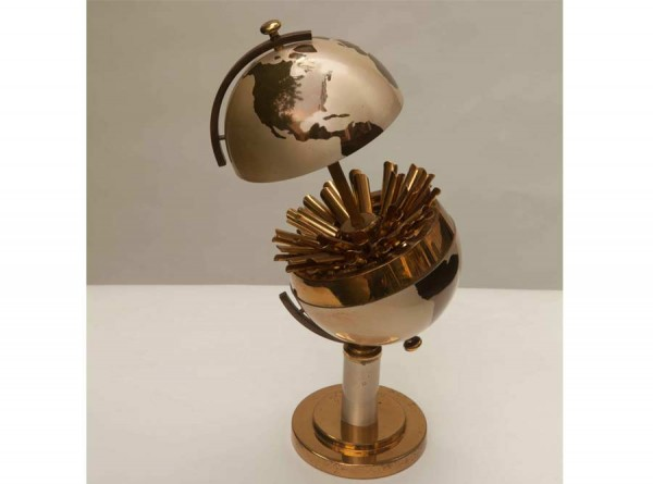 Art Deco Globe Cigarette Holder